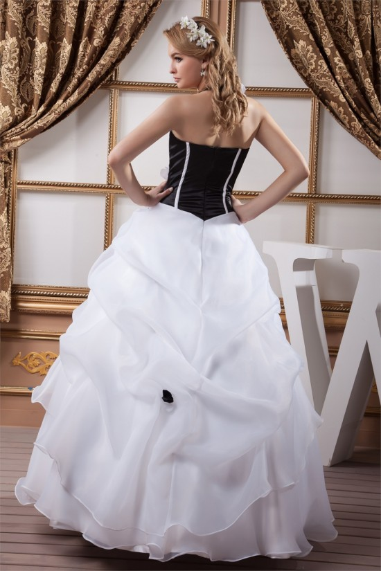 Ball Gown Halter Floor-Length Black White Beading Wedding Dresses 2030737